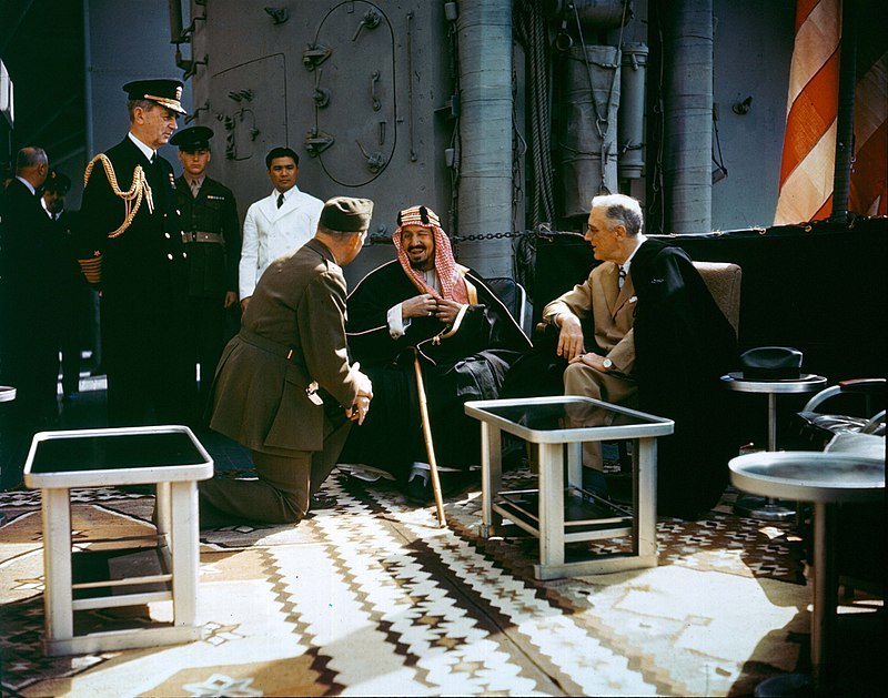 800px-Franklin_D._Roosevelt_with_King_Ibn_Saud_aboard_USS_Quincy_(CA-71),_14_February_1945_(USA-C-545)